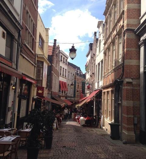 Una calle cualquiera en Bruselas.