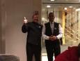 Nuestros asombrosos camareros durante toda nuestra estadía, Ramoncito y Alex.