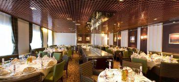 El Restaurante Caravelle, donde podrás vestir tu ropa más elegante y deleitar tu paladar con excelente comida.