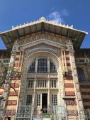 Aunque no lo crean esa es la biblioteca de Fort de France.